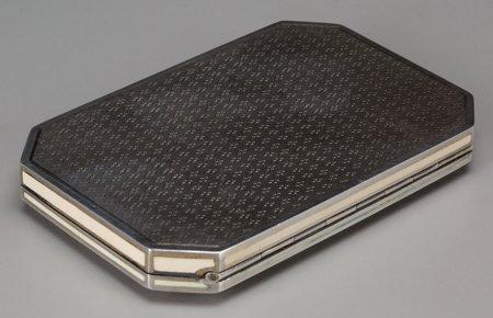 61298: An Austrian Silver, Enamel, and Niello Snuff Box - 3