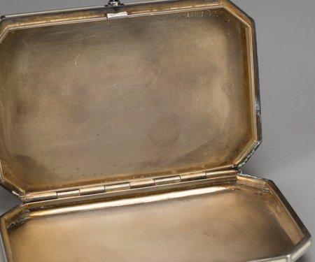 61298: An Austrian Silver, Enamel, and Niello Snuff Box - 4