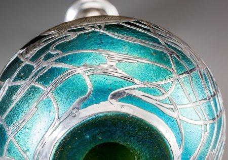 61318: A Loetz Iridescent Glass Vase with La Pierre Sil - 4