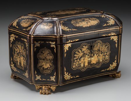 61423: A Chinese Export Lacquered Tea Caddy, 19th centu