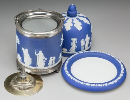 61759: A Wedgwood Blue Jasperware Cheese Keeper and Bis - 2