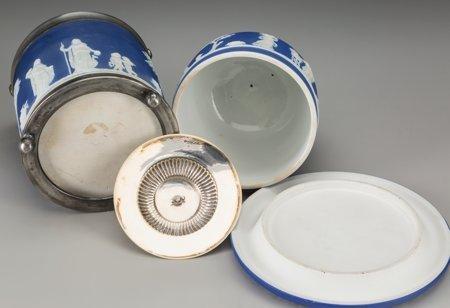 61759: A Wedgwood Blue Jasperware Cheese Keeper and Bis - 3