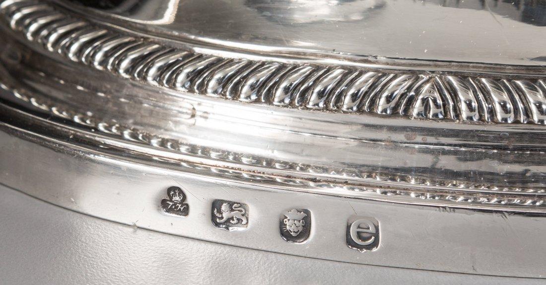 74010: A Thomas Heming George III Silver Covered Tureen - 3