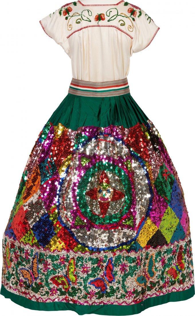 89454: Linda Ronstadt -- An Elaborate Folklorico Costum - 4