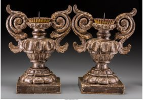 61094: A Pair of Italian Baroque-Style Giltwood Candle