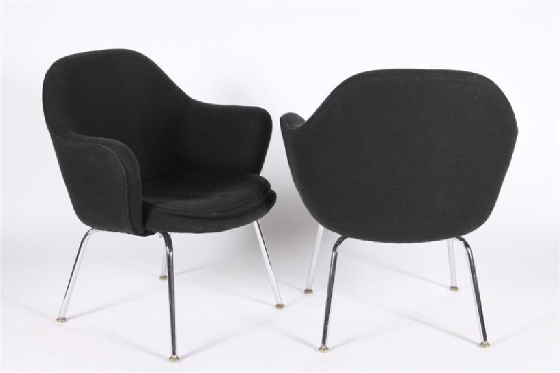 Eero Saarinen for Knoll, Pair of Arm Chairs - 3