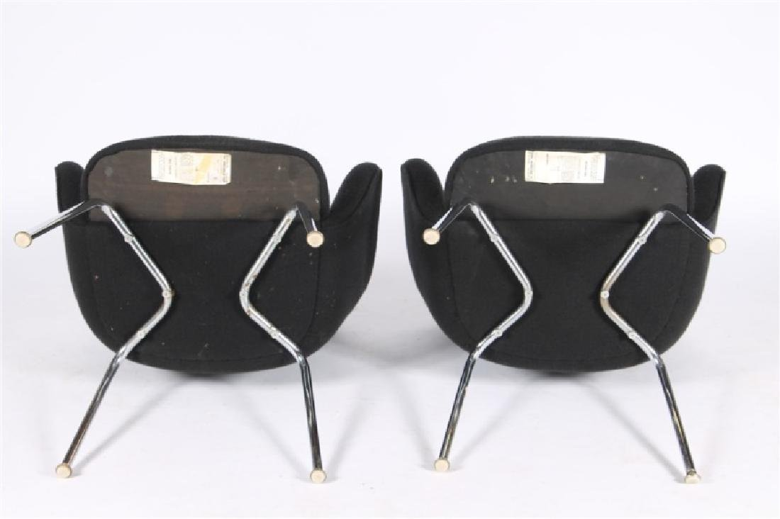 Eero Saarinen for Knoll, Pair of Arm Chairs - 4