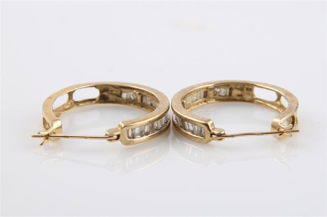 Pair of 10kt Yellow Gold Huggie Earrings - 2