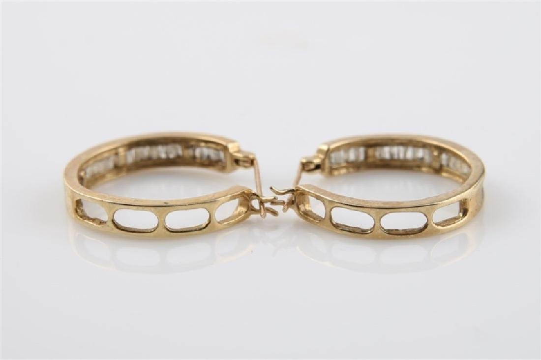 Pair of 10kt Yellow Gold Huggie Earrings - 3