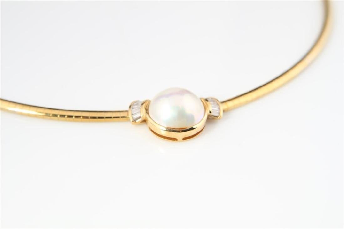18k Yellow Gold, Mabé Pearl, and Diamond Necklace - 4