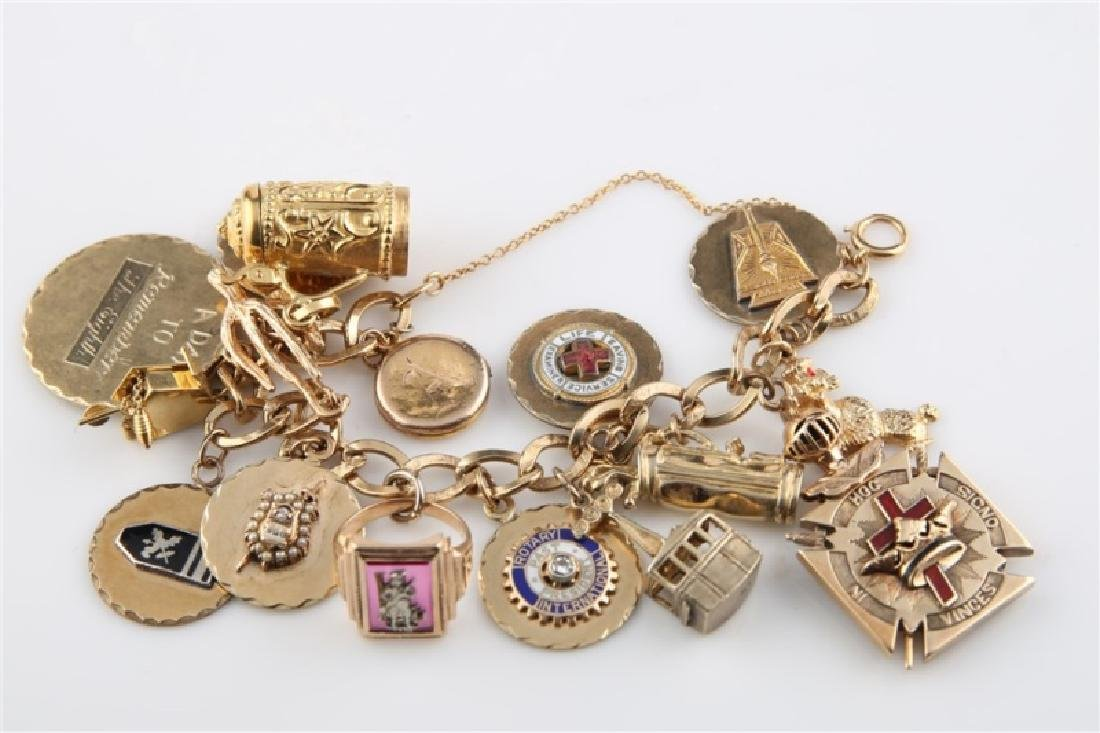 14kt Yellow Gold Lady's Charm Bracelet