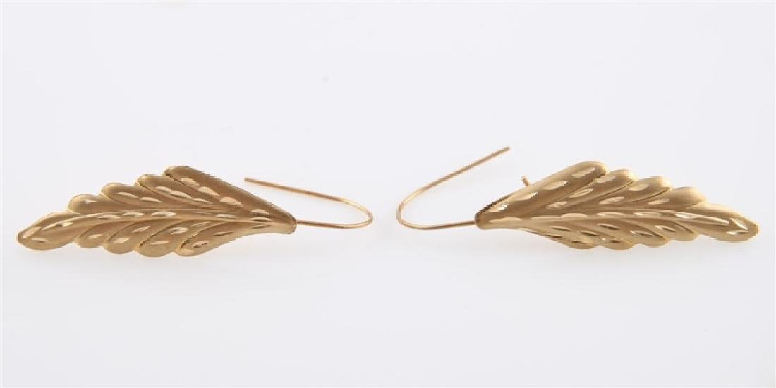 Pair of 14kt Yellow Gold Leaf Earrings - 4