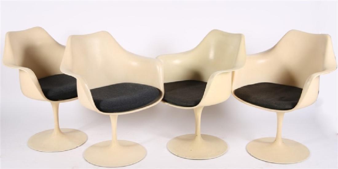 Set of Four Eero Saarinen for Knoll Tulip Chairs