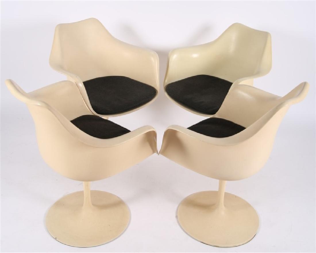 Lot of Four Eero Saarinen for Knoll Tulip Chairs