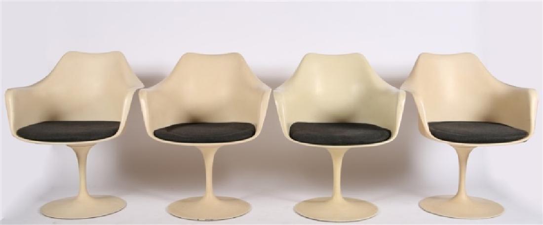 Lot of Four Eero Saarinen for Knoll Tulip Chairs - 2