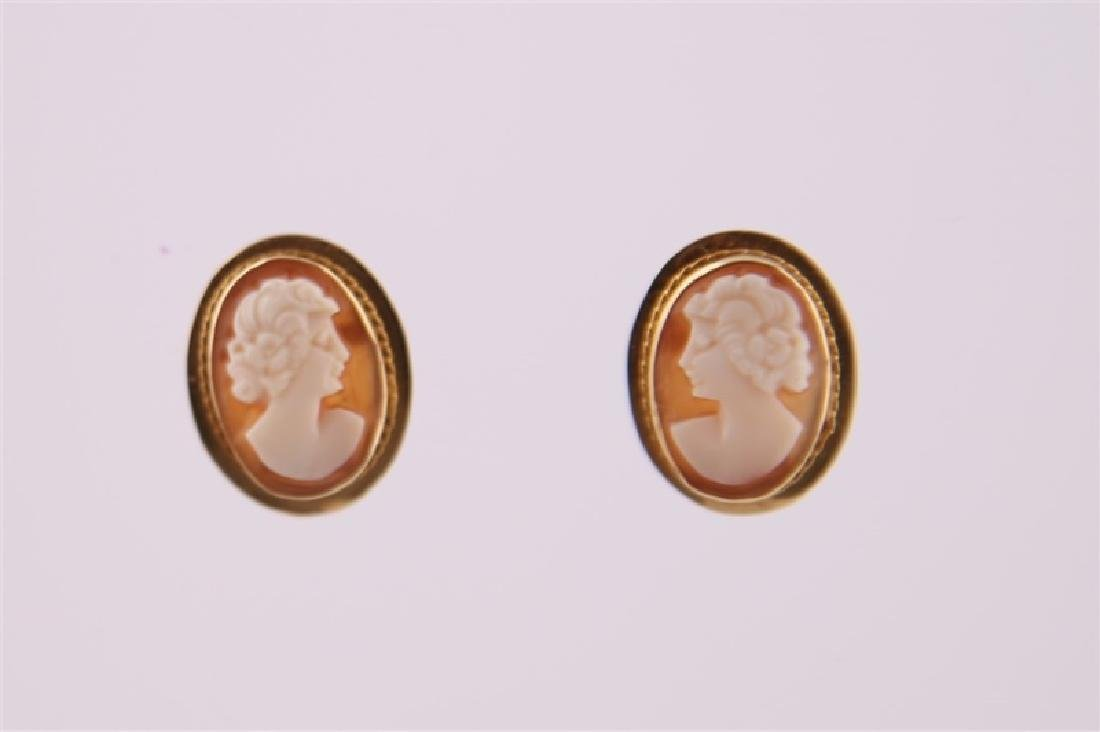 Pair of 14kt Yellow Gold Cameo Earrings - 2