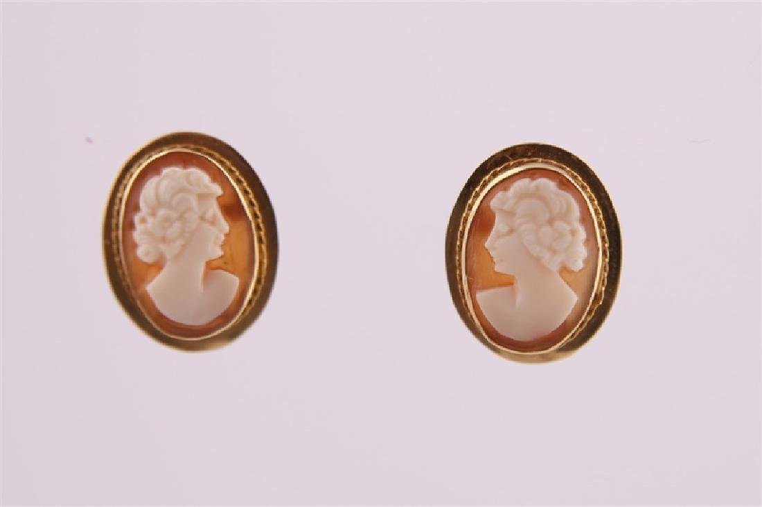 Pair of 14kt Yellow Gold Cameo Earrings - 3