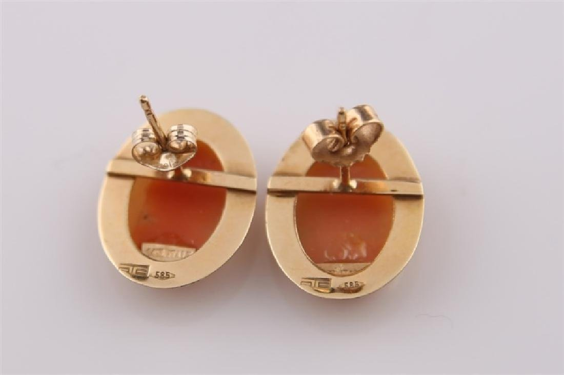 Pair of 14kt Yellow Gold Cameo Earrings - 5