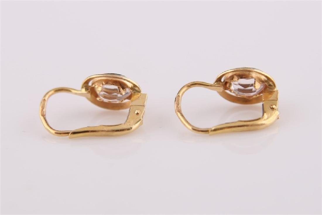 Pair of 18kt Yellow Gold Lever Back Earrings - 4
