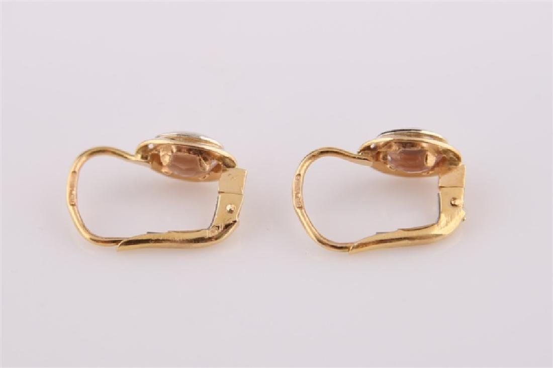 Pair of 18kt Yellow Gold Lever Back Earrings - 5