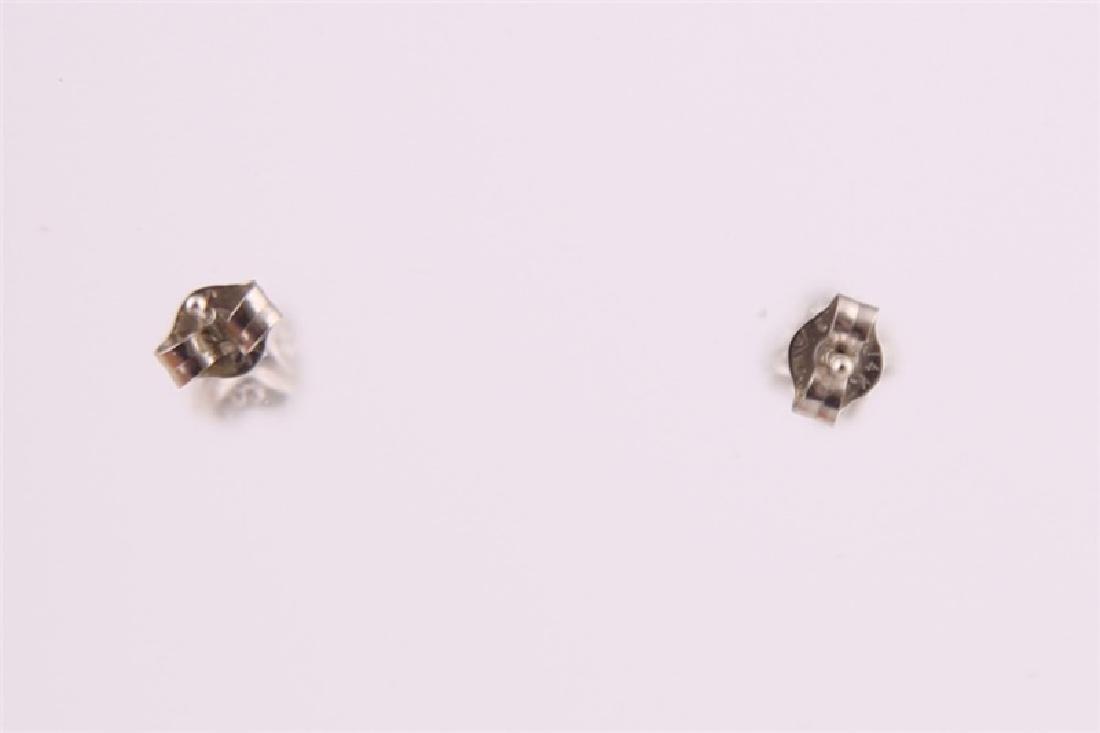 14kt White Gold Diamond Stud Earrings - 6