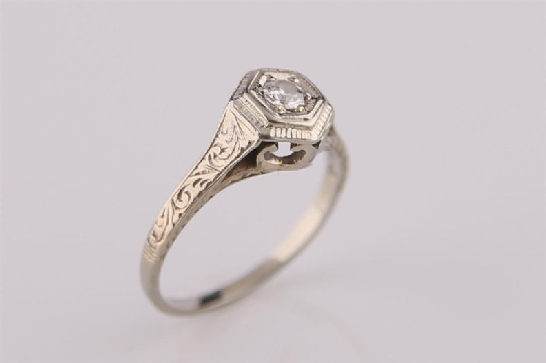 18kt White Gold Art Deco Ring with Diamond