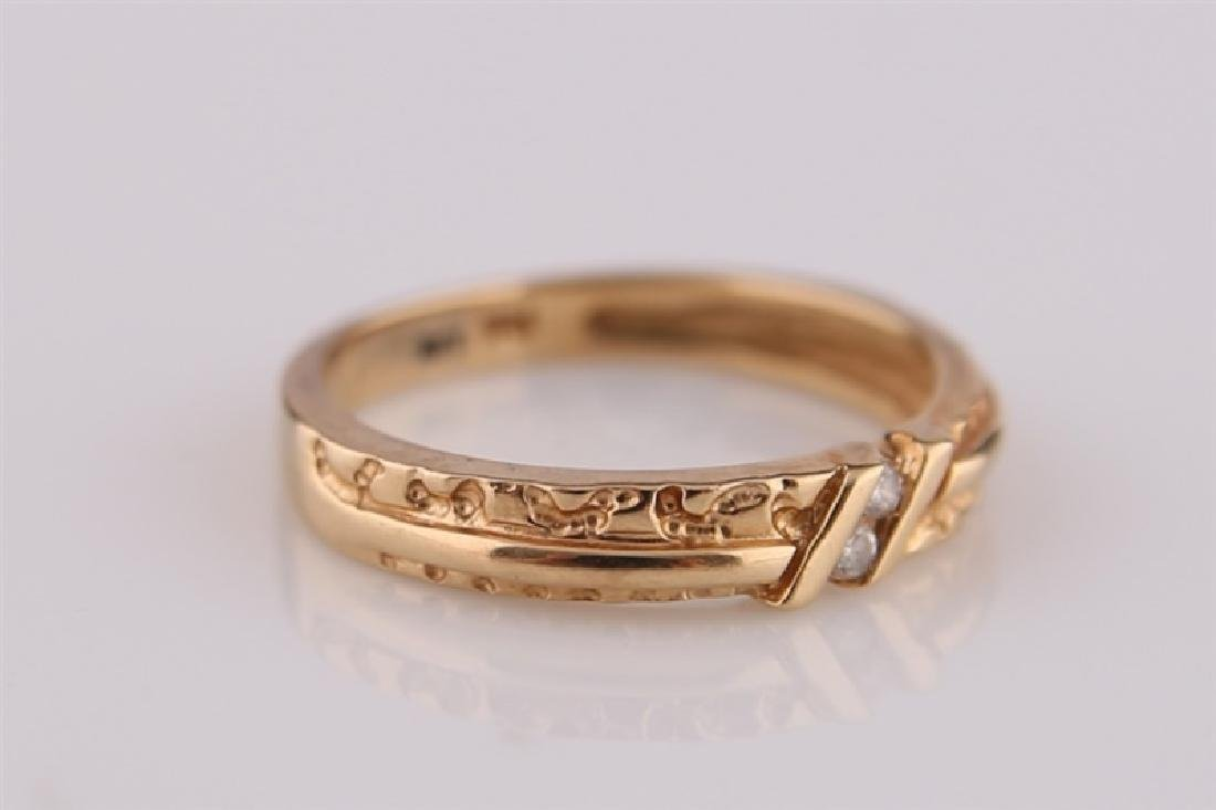 14kt Yellow Gold Ring with Diamonds - 2