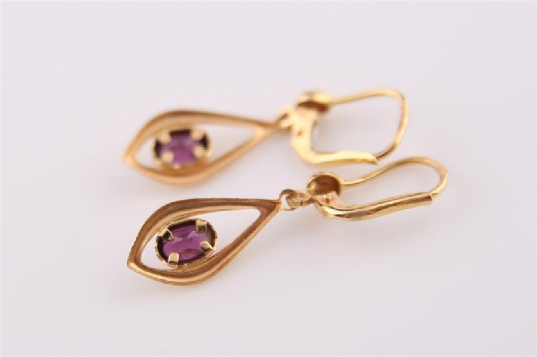 Pair of 18kt Yellow Gold and Amethyst Earrings - 3