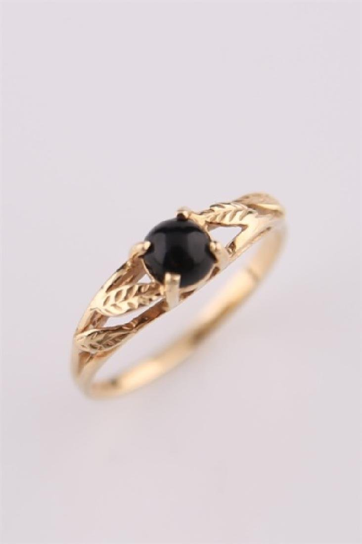 14kt Yellow Gold Ring with Onyx