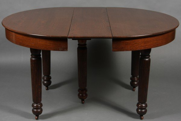 10: American Late Victorian Oak Dining Table & Six Chai