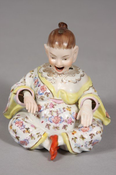 253: Meissen Style Porcelain Chinoiserie Nodding Figure