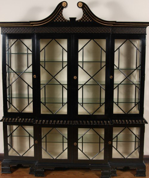 17: Chippendale Style Black Lacquered and Parcel Gilt D