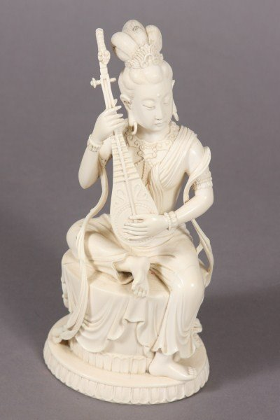 257: Carved Ivory Seated Quan Yin, Japanese 20th Centur