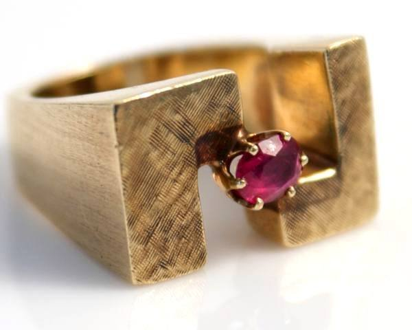 Gent's Ring, 14K Yellow Gold & Ruby