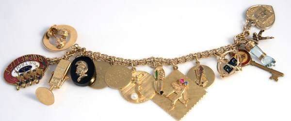 Charm Bracelet Made of 14K Gold With 14 Charms