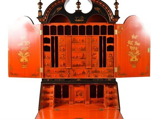 A George II-Style Chinoiserie Lacquered Secretary - 2