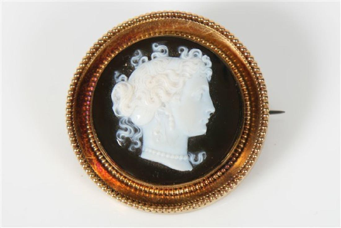 14k Gold Hard Stone and Onyx Cameo Pendant Brooch