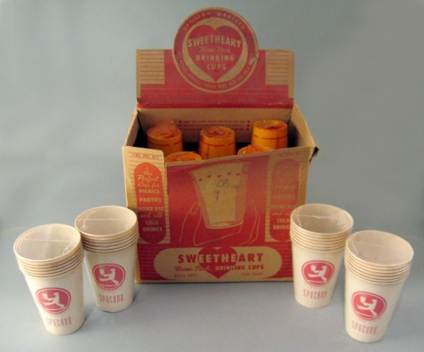 6: Nos Sweetheart Drinking Cups & Display