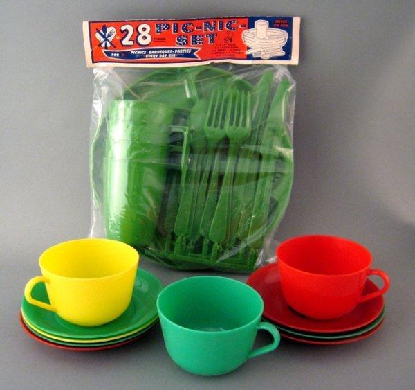 8: Vintage Lot of Nos Plastic Picnic Tea Set