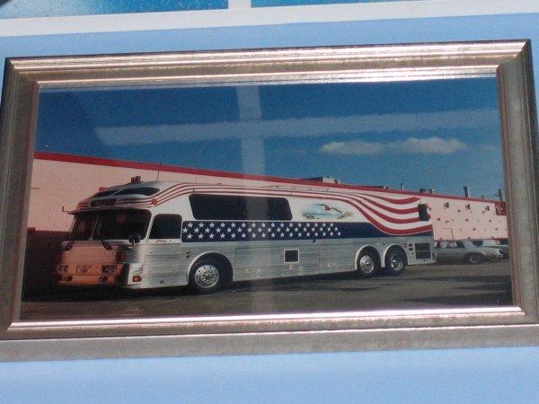 23: Tammy Wynettes Tour Bus