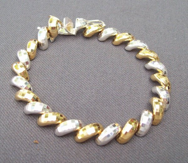0002: Ladies Bracelet