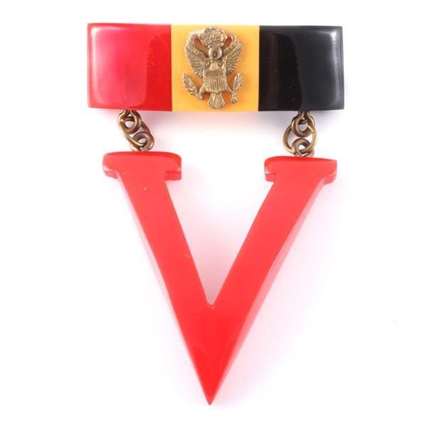 Large Patriotic WWII era Victory laminated Bakelite