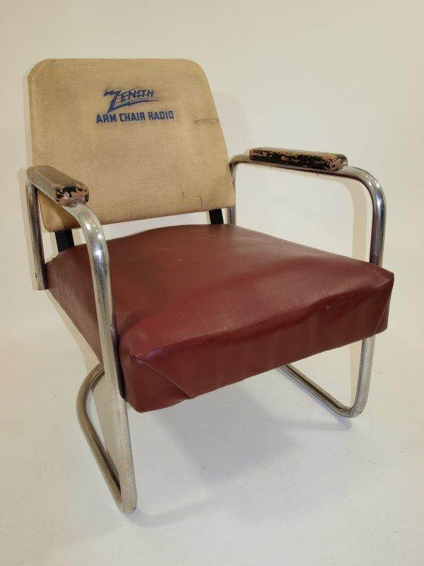 1005: 1930's Zenith Promotional Radio Armchair