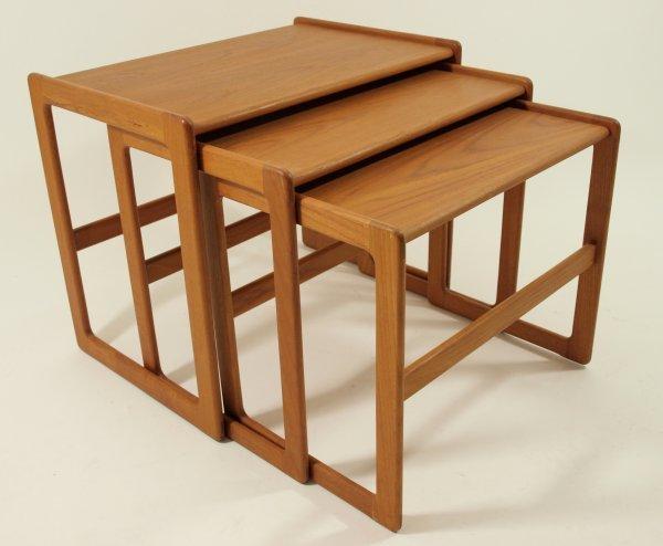 1022: 60's Danish Modern Nesting Tables - Set of 3