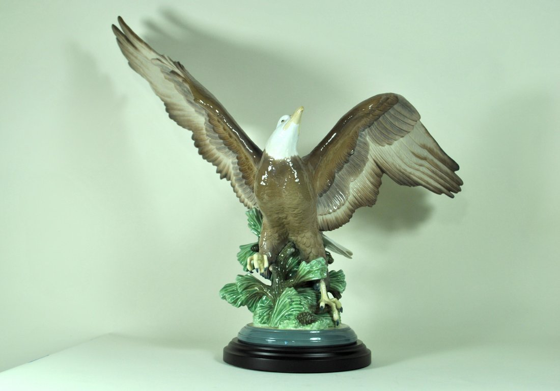 Signed Lladro Ltd. Ed. Figure 'A Symbol of Freedom'