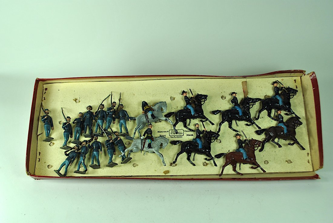 Britains - 7 Union Cavalry & 12 Foreign Soldiers