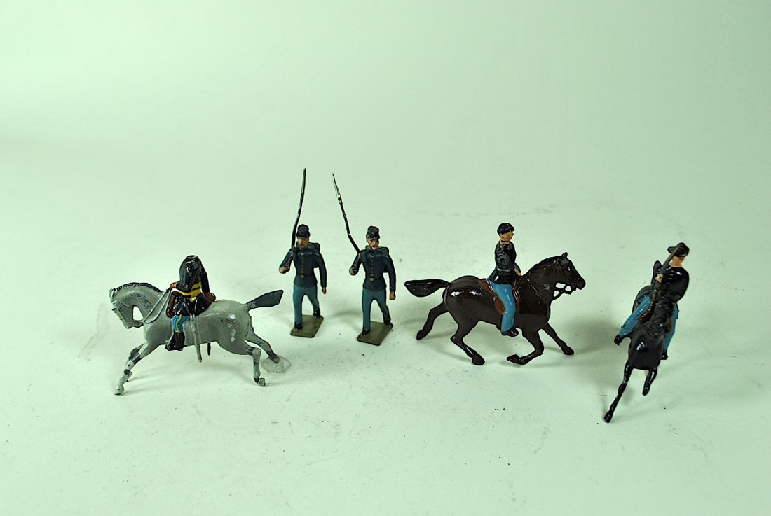 Britains - 7 Union Cavalry & 12 Foreign Soldiers - 2