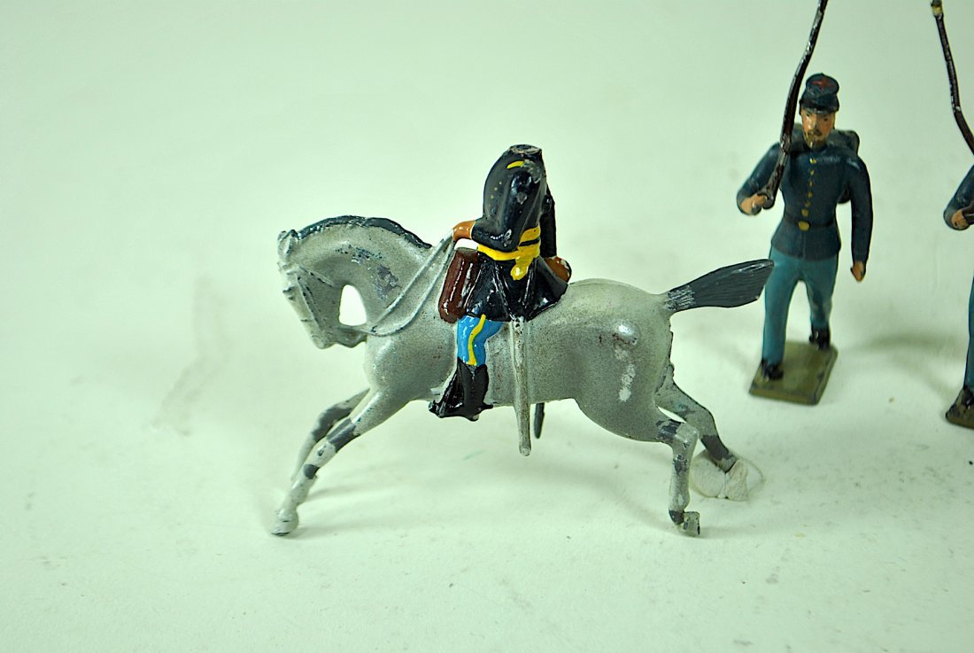 Britains - 7 Union Cavalry & 12 Foreign Soldiers - 3