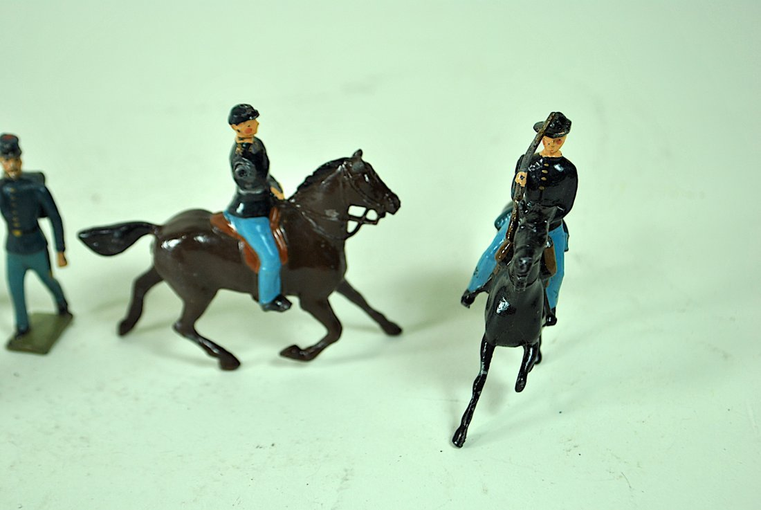 Britains - 7 Union Cavalry & 12 Foreign Soldiers - 5