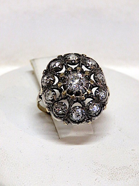 18k Shank Diamond Ring Set in Silver